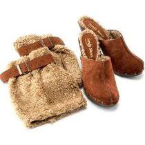 Sandy_shoes_2